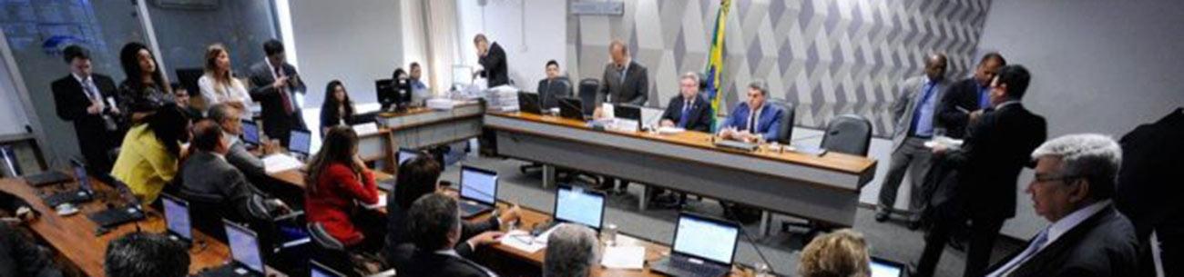 CCJ confirma leitura de votos em separado da reforma trabalhista para dia 28